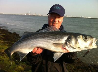 Mooie Zeebaars gevangen tijdens de viscursus. Bekijk de visvangsten!